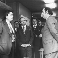 Pozsgay Imre kult. miniszter és Boros Sándor kult. miniszterhelyettes látogatása Salgótarjánban a Megyei Könyvtárban
